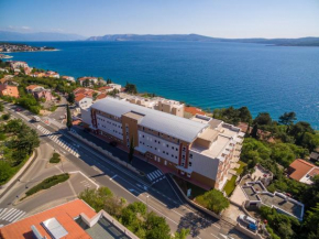 Crikvenica Residence Apartments and Rooms  Цриквеница