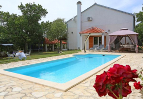 Holiday Home Krka Waterfalls  Лозовац