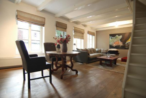 Fantastic old city centre apartment  Амстердам