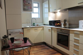 3 Bedroom Apartment +4Free Tickets to Kew Gardens  Илинг