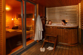 4 Lazy Deer Spa & Relax Villas  Лашиней