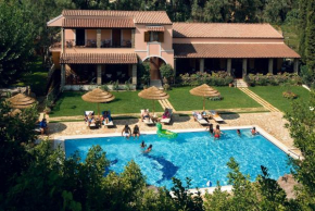 Отель Corfu Club Apartments  Гувия