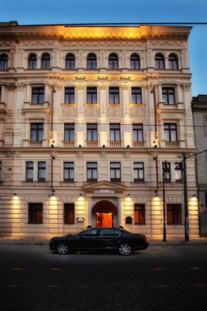 Отель Luxury Family Hotel Royal Palace  Прага