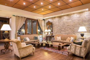 Отель Country Club Hotel & Suites  Микро Хорио