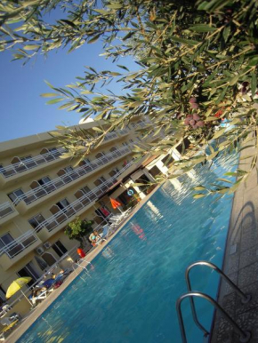 Отель Sunquest Gardens Holiday Resort  Лимасол