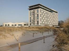 a-ja Warnemünde. Das Resort.  Варнемюнде
