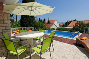 Отель Vacation Home Villa Oleandra  Бол