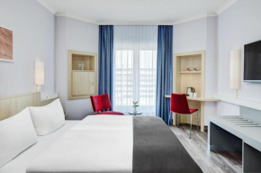 Гостиница IntercityHotel Hamburg Altona  Гамбург